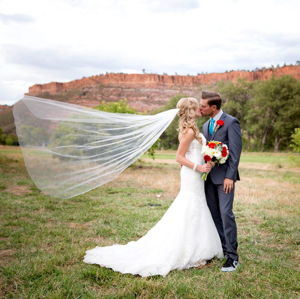 ellis ranch bluffs couple kiss